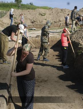 Югорские археологи ищут самые ранние постройки городища Березово